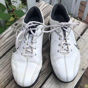 Nike Air Max Rejuvenate golf shoes size 10.5 white